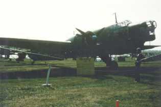 B 3 1976